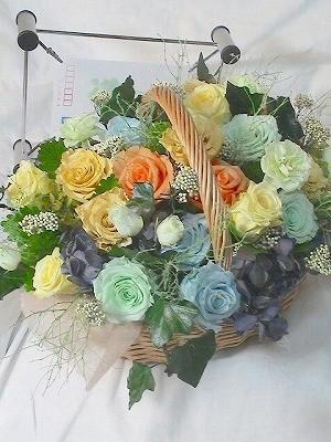 結婚式の花束贈呈用のプリザーブドフラワーアレンジ